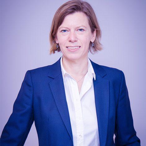 Especialistas en derecho internacional privado Adriana de Ruiter
